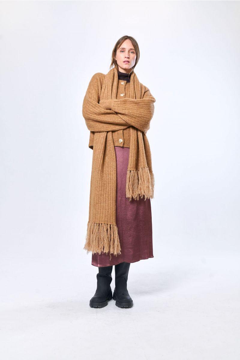 scarf Wolf